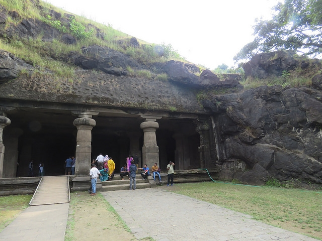 ELEPHANTA CAVES1.JPG