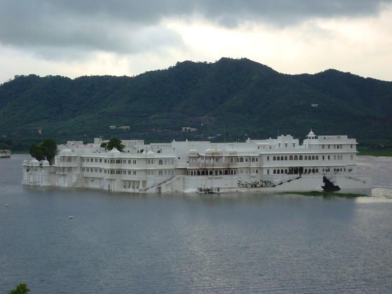 Lake%20Pichola%20Udaipur.jpg
