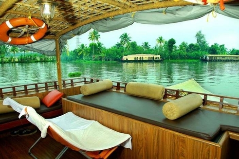 Private Day Cruise on Non AC Deluxe Houseboat at Alleppey Backwaters