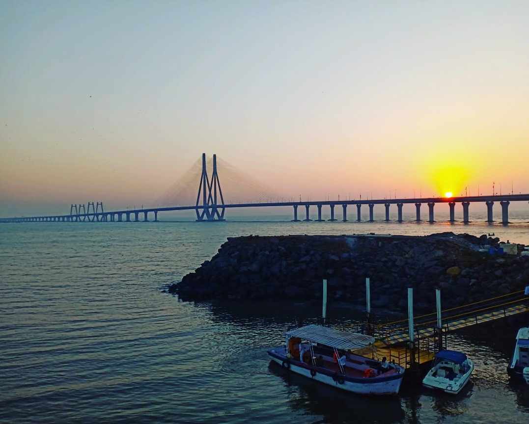 Private Full-Day All-Inclusive Tour of Mumbai with Sunset View at Bandra Fort