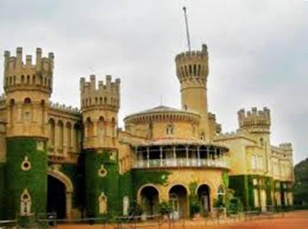 Private Tour Lalbagh Garden Tippu Palace Cubbon Park Bull Temple Bangalore With Guide