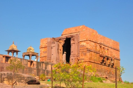 Private Full-Day Tour of Indore,Ujjain Temples& Observatory from Bhopal WITH GUIDE