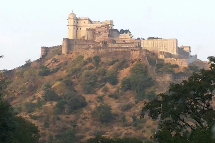 Private Full-Day Tour of Kumbalgarh Fort from Udaipur WITH GUIDE