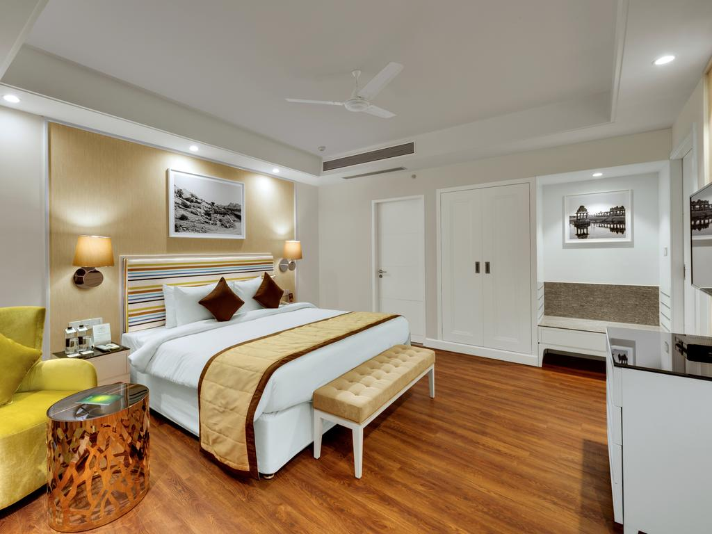 Amanora%20The%20Fern%20Hotels%20and%20Club%20-%20Pune%20(4).jpg