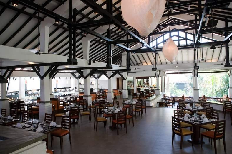 Club%20Hotel%20Dolphin%20Sands-Restaurant.jpg