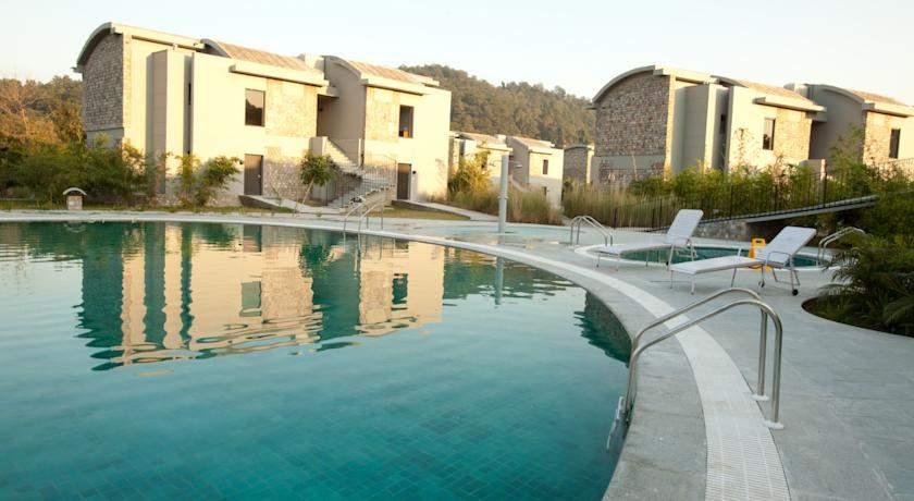 Club%20Mahindra%20Corbett%20Swiming%20pool%20view.jpg