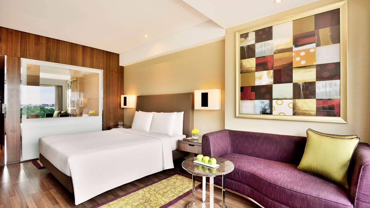 Courtyard by Marriott Chennai deluxe king.jpg