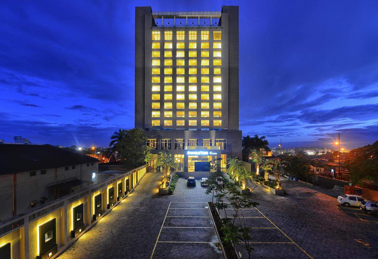 DoubleTree%20by%20Hilton%20Hotel%20Pune%20outer.jpg