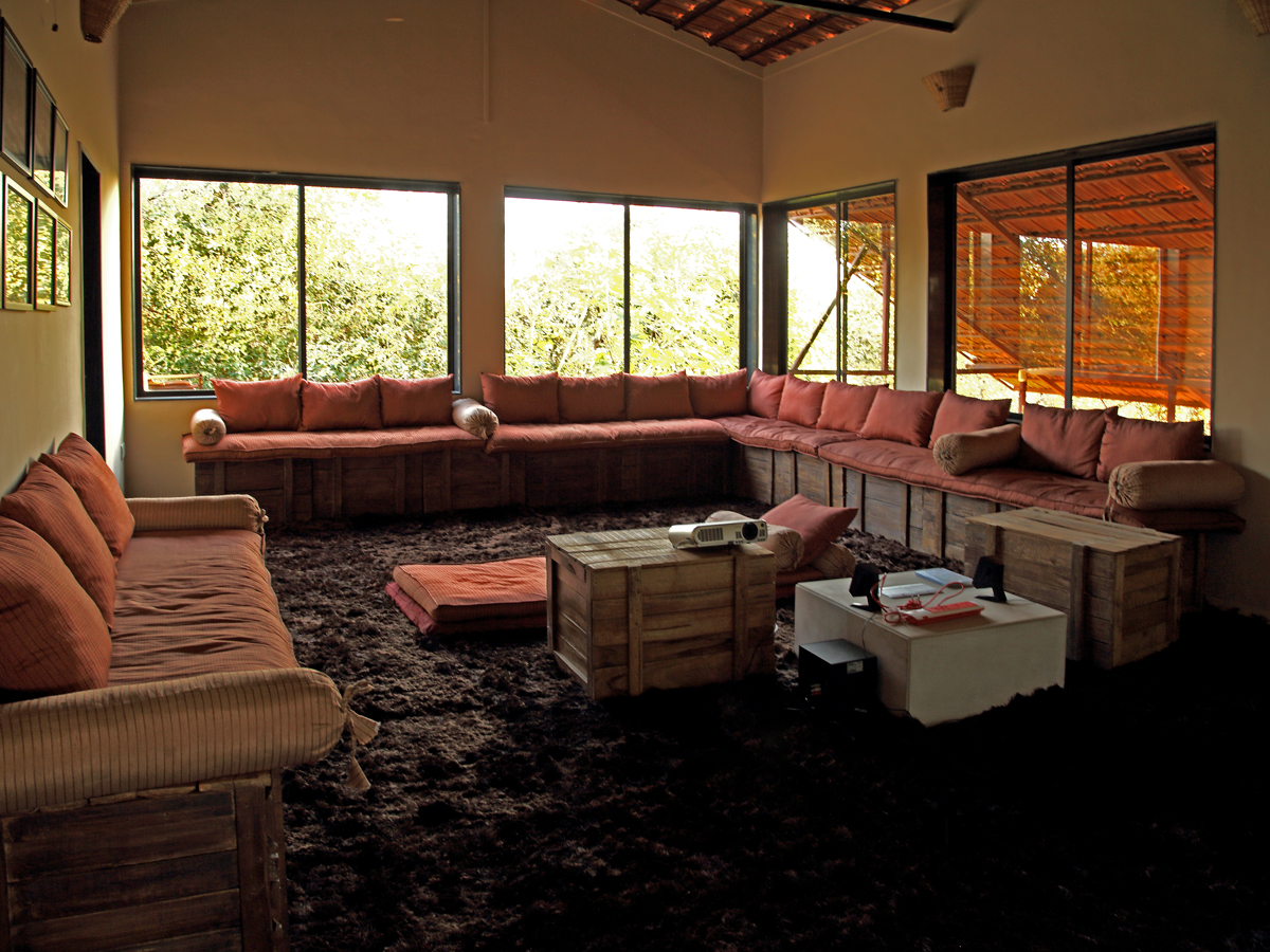 Forsyth Lodge Satpura sitting area2.jpg