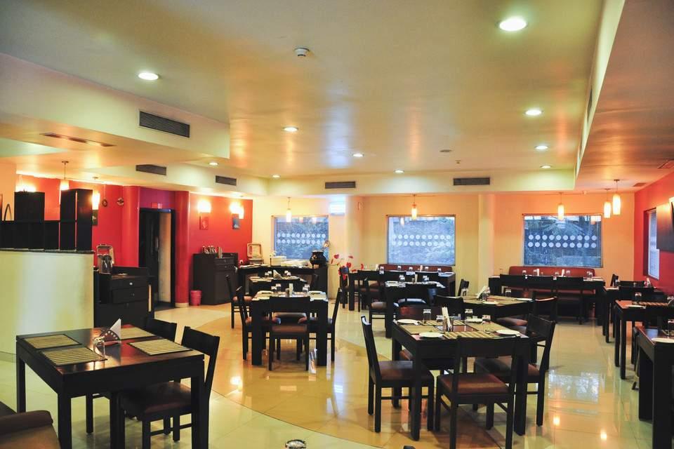 Ginger%20Hotel%20Pune%20Pimpri%20restaurant.jpg