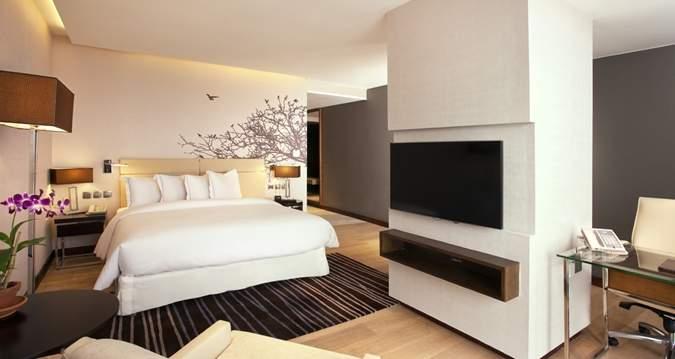 Hilton%20Colombo%20Residences%20room.jpg