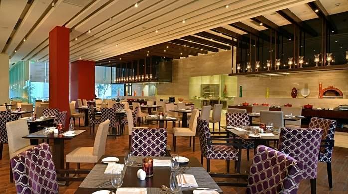 Hilton%20Garden%20Inn%20Gurgaon%20Baani%20Square%20dining.jpg