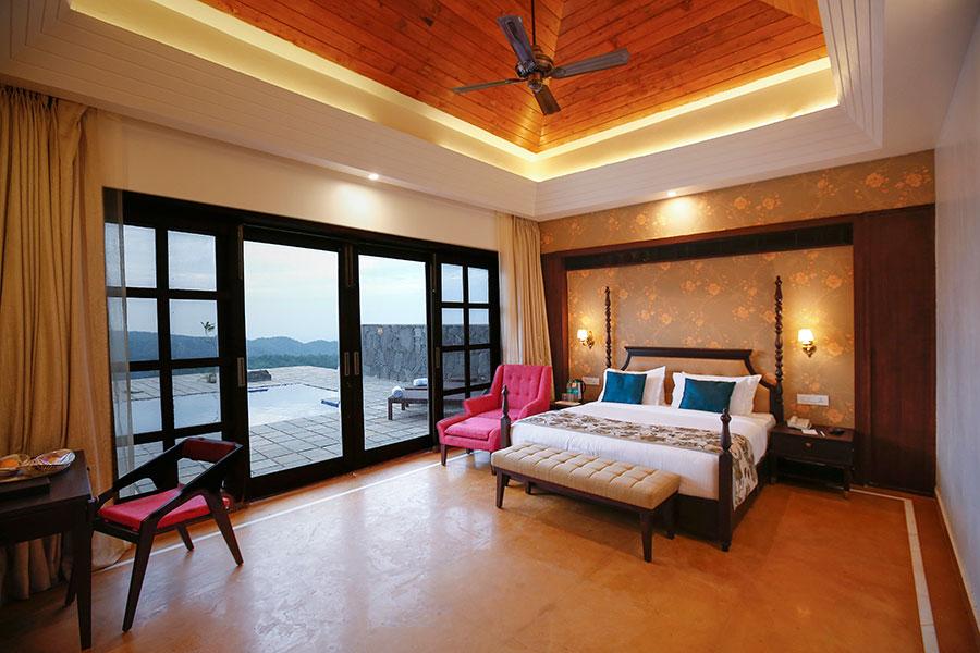 Honeymoon-Cottage-room-01.jpg
