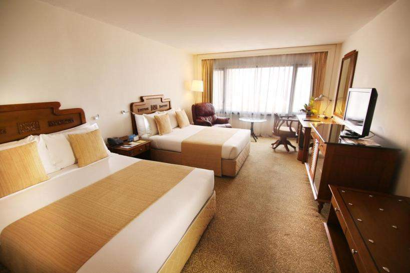 Hotel%20Galadari%20Colombo%20room1.jpg