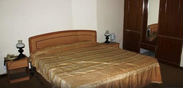 Hotel%20Giriganga%20Kharapathar%20view3.jpg