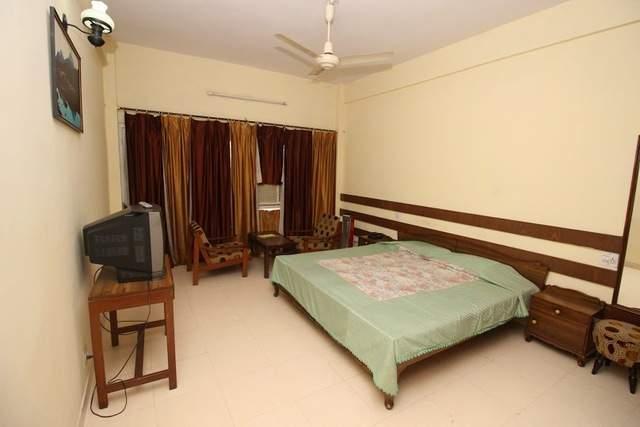 Hotel%20Jawalaji%20Jawalamukhi%20room3.jpg