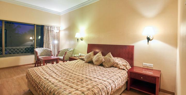 Hotel%20Kishna%20Palace%20Hospet%20(Rooms).jpg