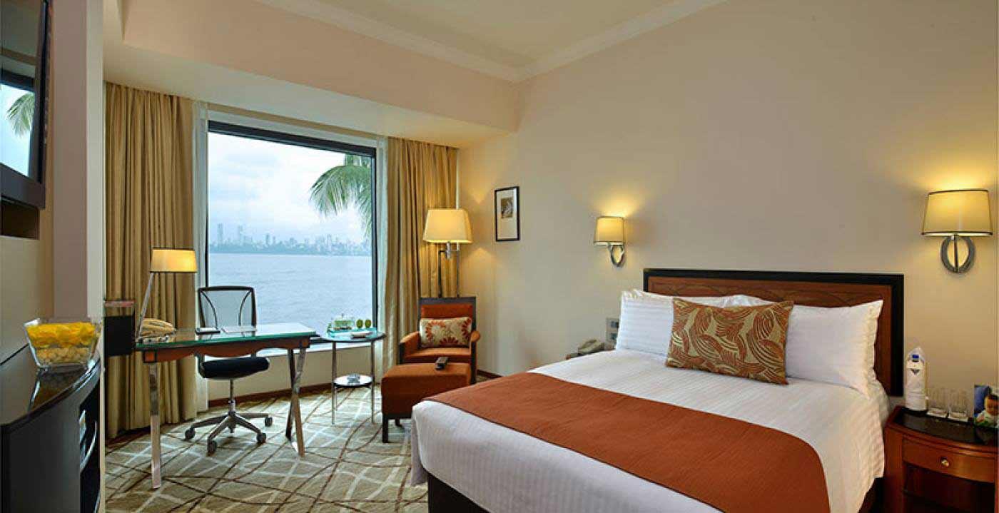 Hotel%20Marine%20Plaza%20Mumbai%20room.jpg