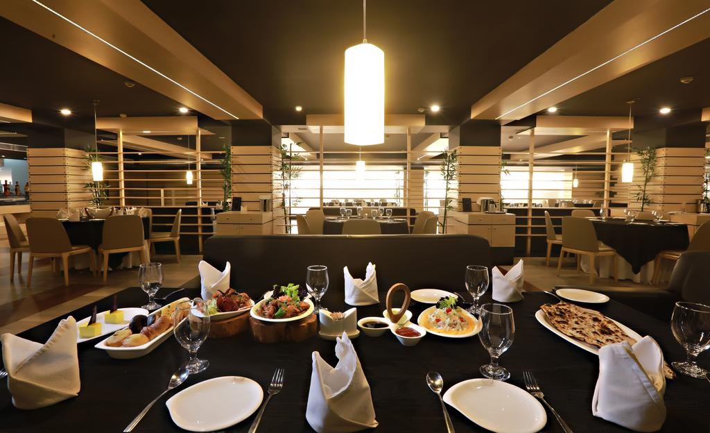 Hotel%20Patliputra%20Continental%20-%20Patna%20%20(2).jpg