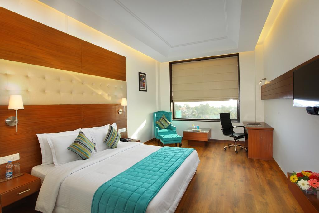 Hotel%20RS%20Sarovar%20Portico%20%20(7).jpg
