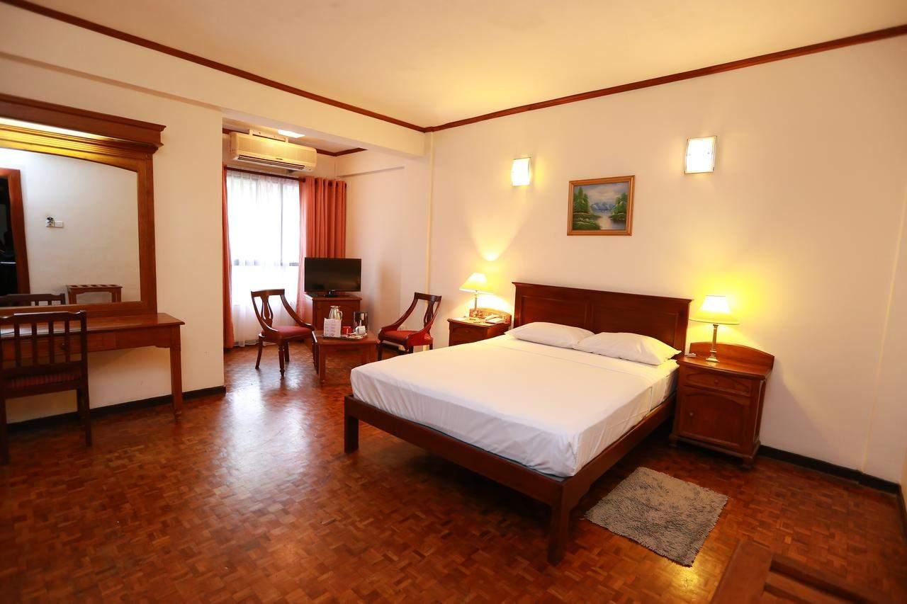 Hotel%20Sapphire%20Colombo%20room1.jpg
