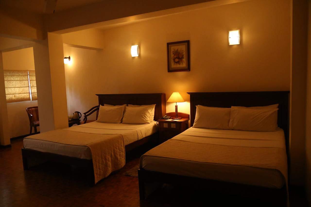 Hotel%20Sapphire%20Colombo%20room3.jpg