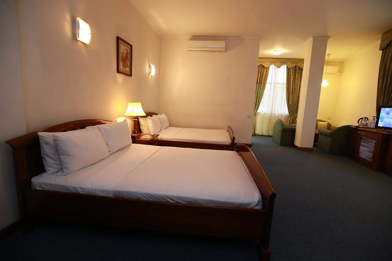 Hotel%20Sapphire%20Colombo%20room7.jpg