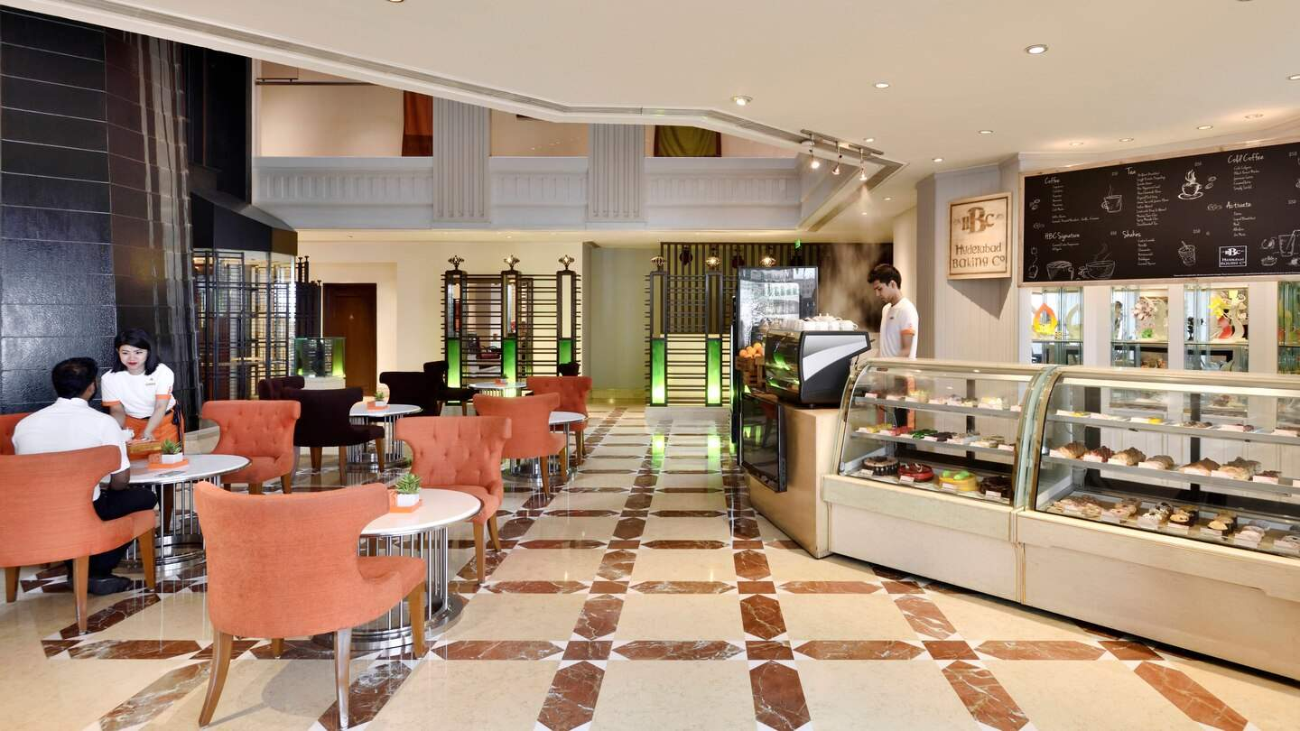 Hyderabad%20Marriott%20Hotel%20and%20Convention%20Centre%20dining.jpg