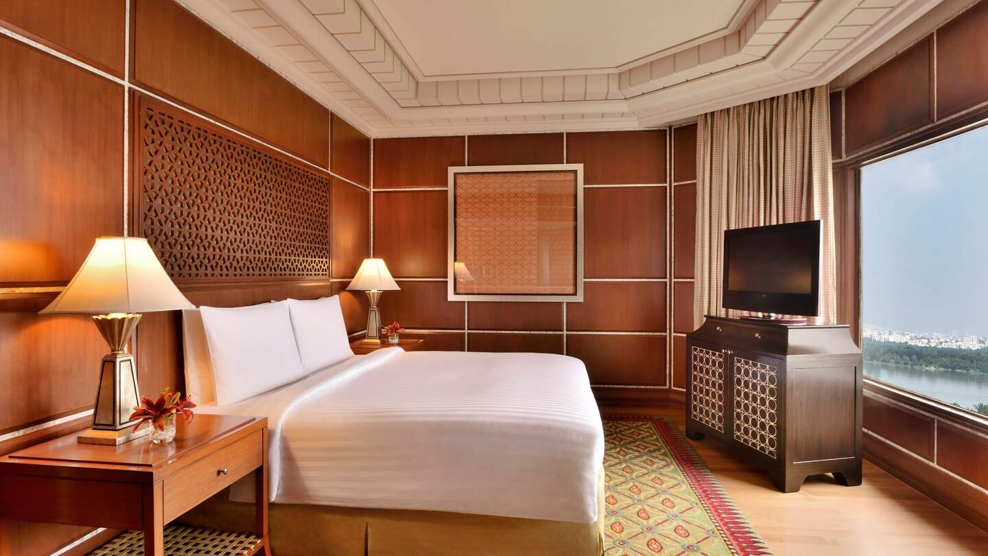 Hyderabad%20Marriott%20Hotel%20and%20Convention%20Centre%20suite.jpg