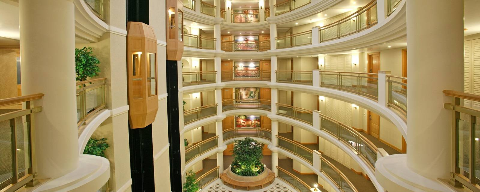 Imperialhotelrajkotimperialinterior.jpg