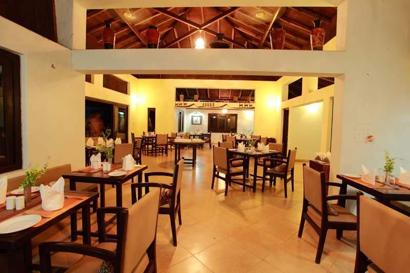 Infinity%20Resort%20Bandhavgarh%20-%20MP%20-%20restaurant-interior.jpg