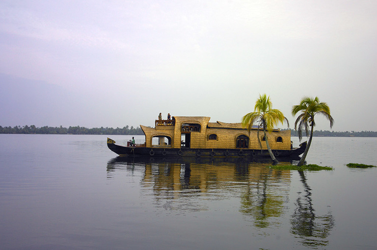Lake%20roylehouseboat%205.jpg