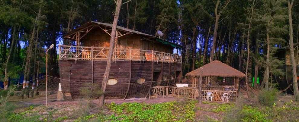 MTDC%20Tarkarli%20Resort%20ac-bamboo-boat-house.jpg