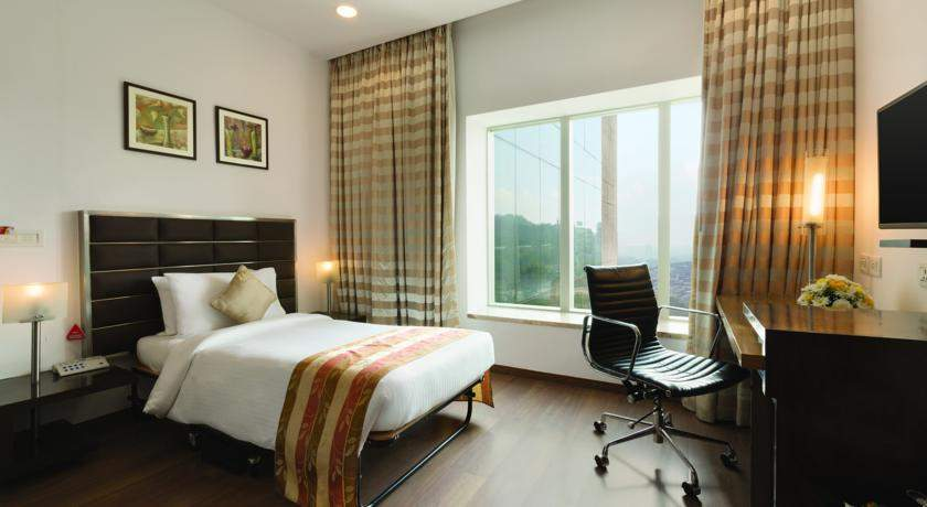 Ramada%20Powai%20Hotel%20And%20Convention%20Centre%20room%201.jpg