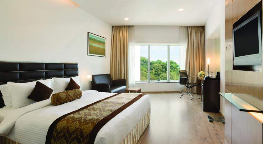 Ramada%20Powai%20Hotel%20And%20Convention%20Centre%20room.jpg