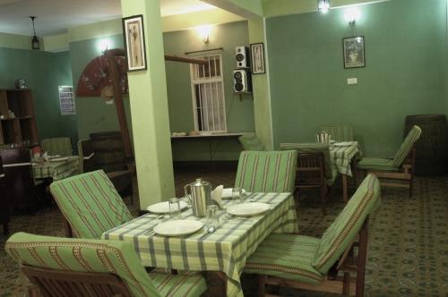 Restaurant%201.jpg