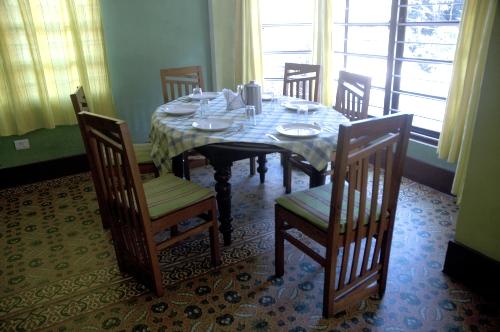 Restaurant%202.jpg