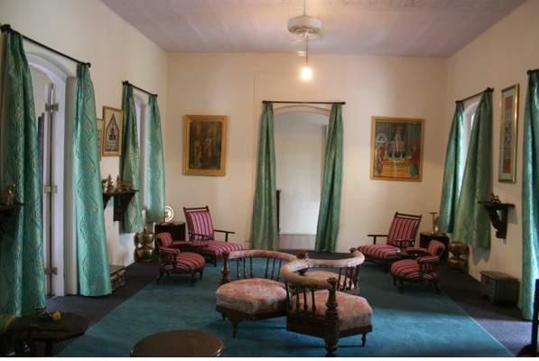 Riversideroom.jpg