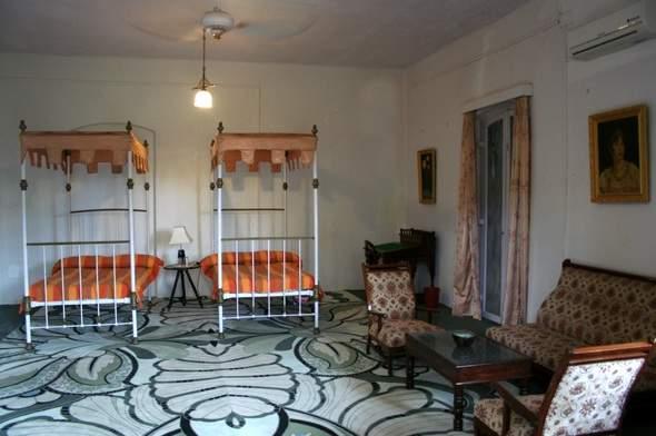 Riversideroom1.jpg