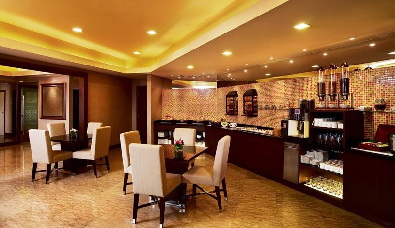 Sunway-Resort-Hotel-And-Spa-Malaysia-The-Club-Dining.jpg