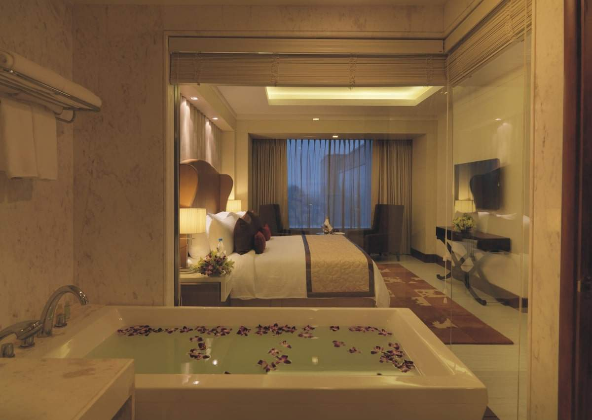Taj Hotel and Convention Centre Agra room5.jpg