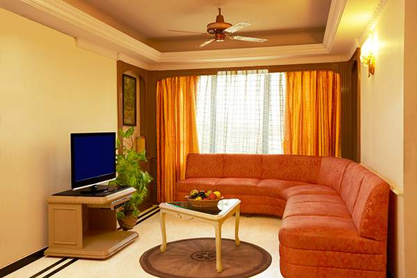 The%20Emerald%20Hotel%20And%20Service%20Apartments%20Juhu%20bedroom.jpg