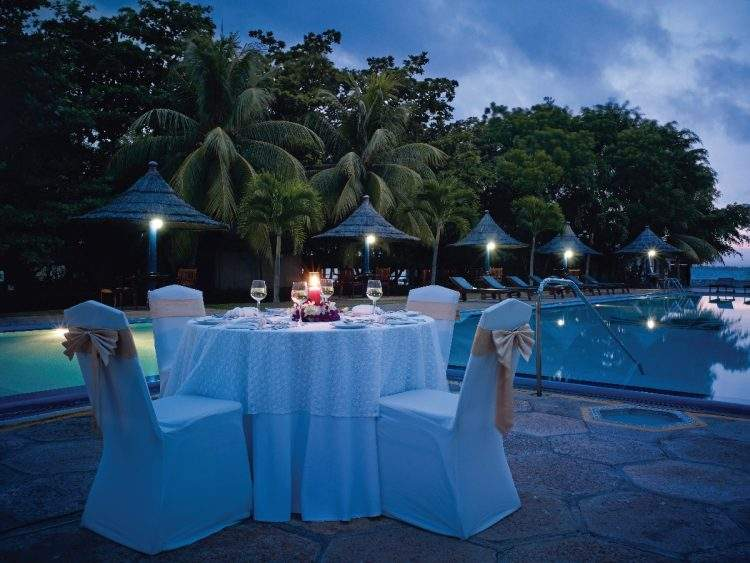 The%20Gateway%20Hotel%20Airport%20Garden%20Colombo%20dining.jpg