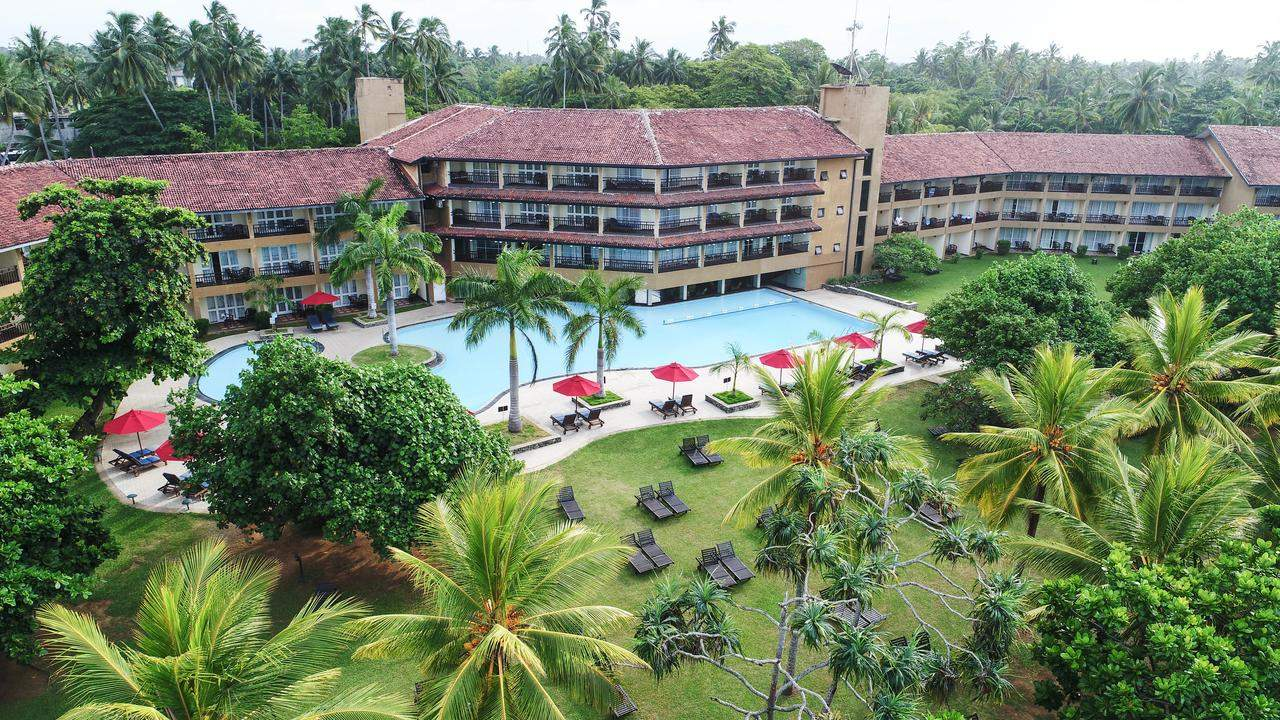 The Palms Hotel Beruwala outer.jpg