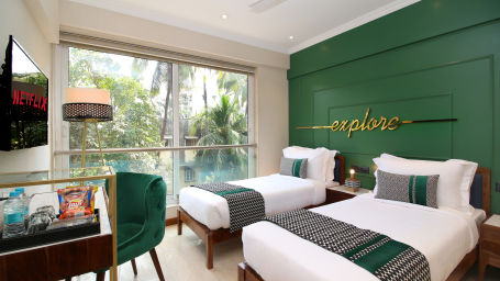 Theory%20service_apartments_bandra%20suite%20room.jpg