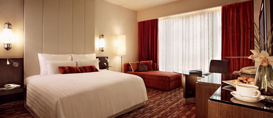 exclusive-suites-king-size-bed-the-club-sunway-resort-hotel-spa.jpg