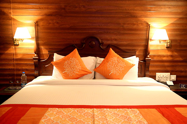 hotel-room2.jpg