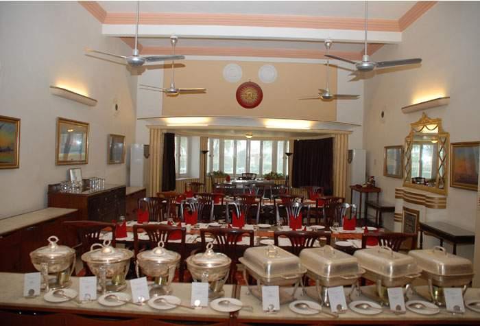 karnibhawanpalacebikanerRestaurant.jpg