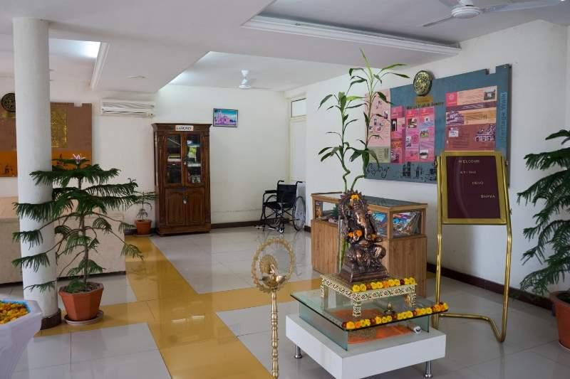 lobby45.jpg