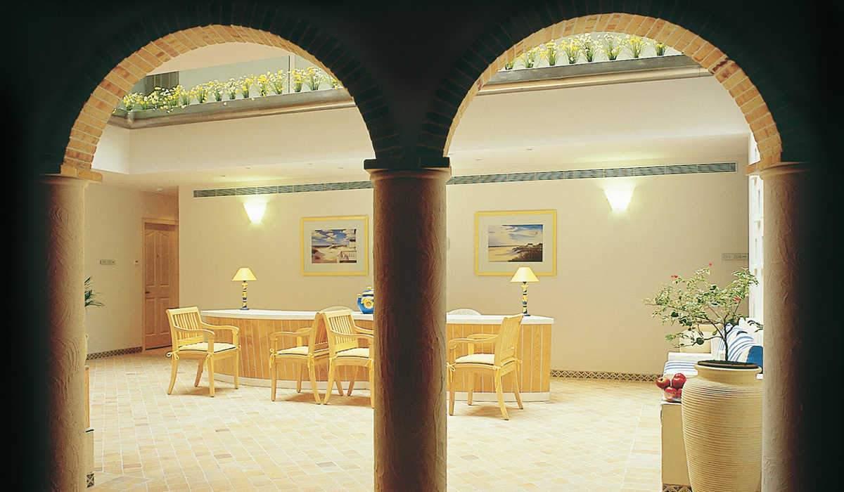 lobby50.jpg